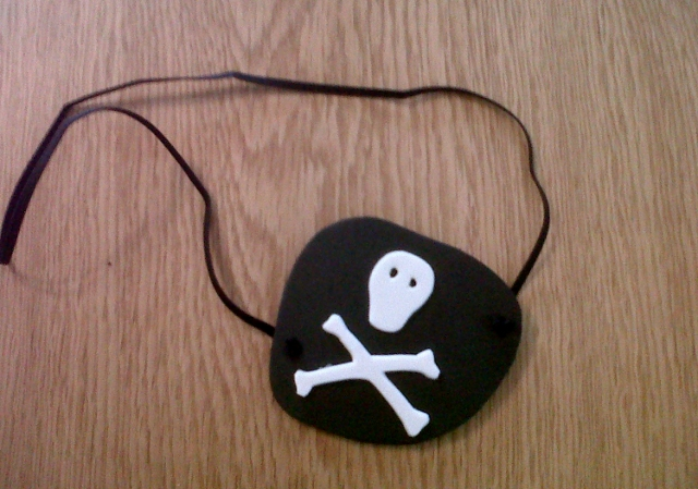 How to make a pirate eye patch