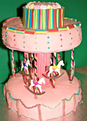 Novelty birthday cakes - carousel cake