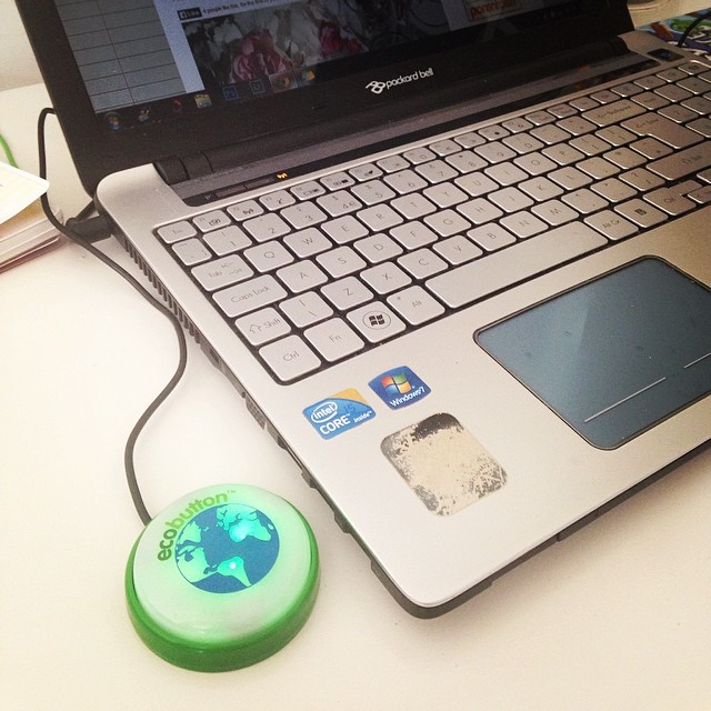 EcoButton Energy saving device for computers