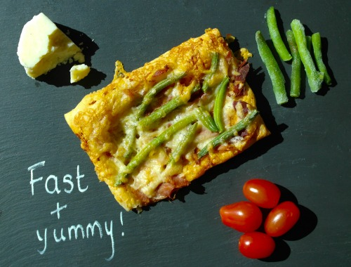 Quick and easy puff pastry pizza