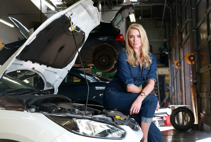 Jodie Kidd launches Halfords free Women's Winter Motor Workshops at Halfords