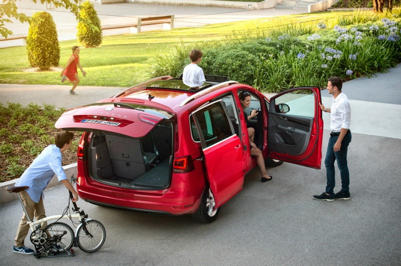 The new SEAT Alhambra is a really spacious car with 7 proper seats, or huge boot space
