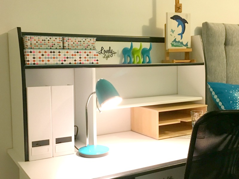 This desk is perfect for a tween study place