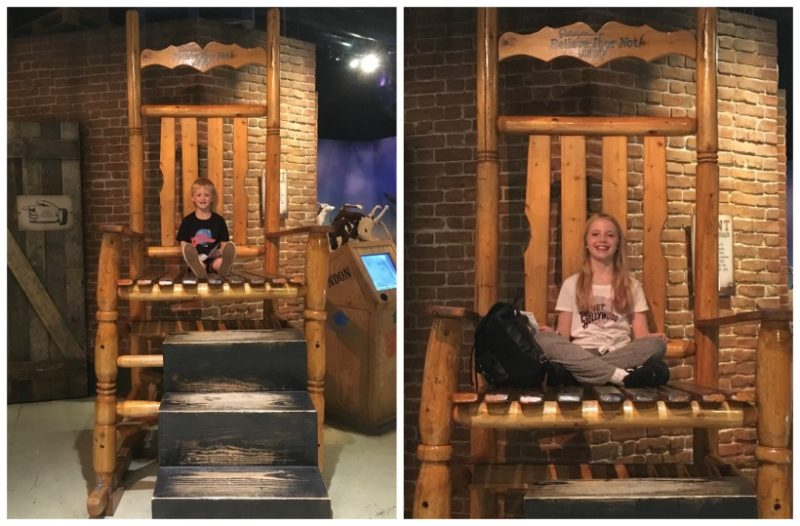 Giant rocking chair Ripleys