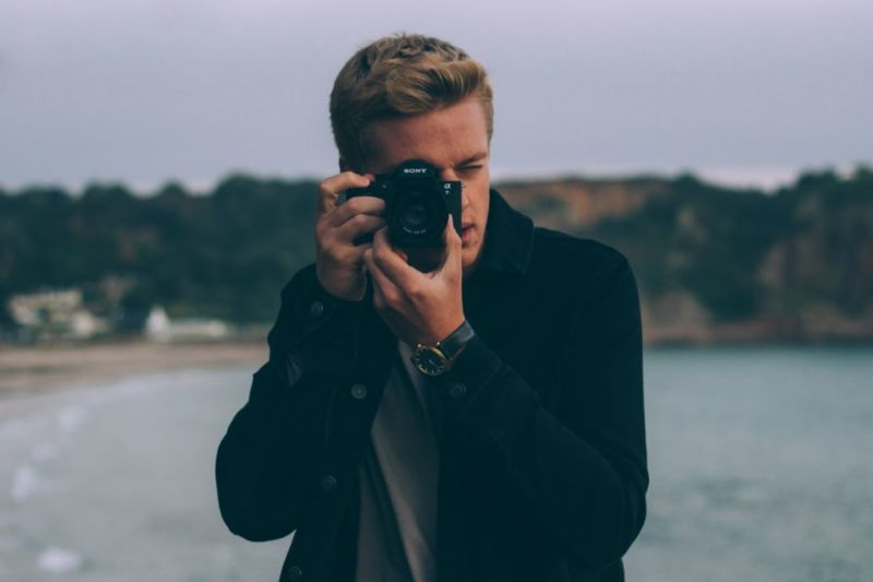 Activities for teens - Things to do for teenagers stuck at home - try an online photography course