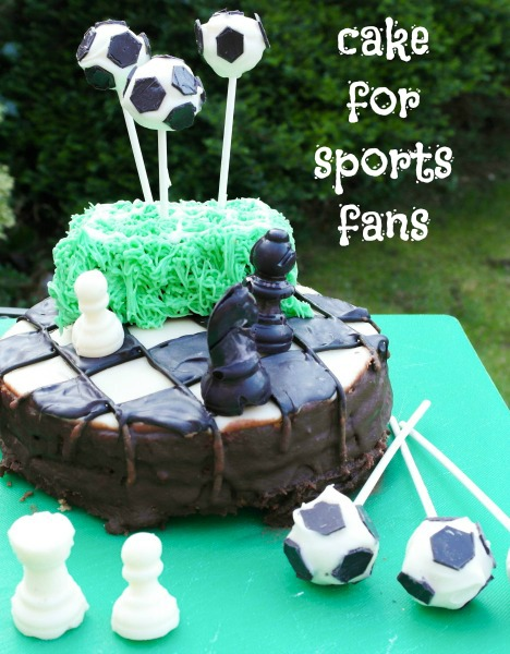 How to decorate a Chess and Football cake